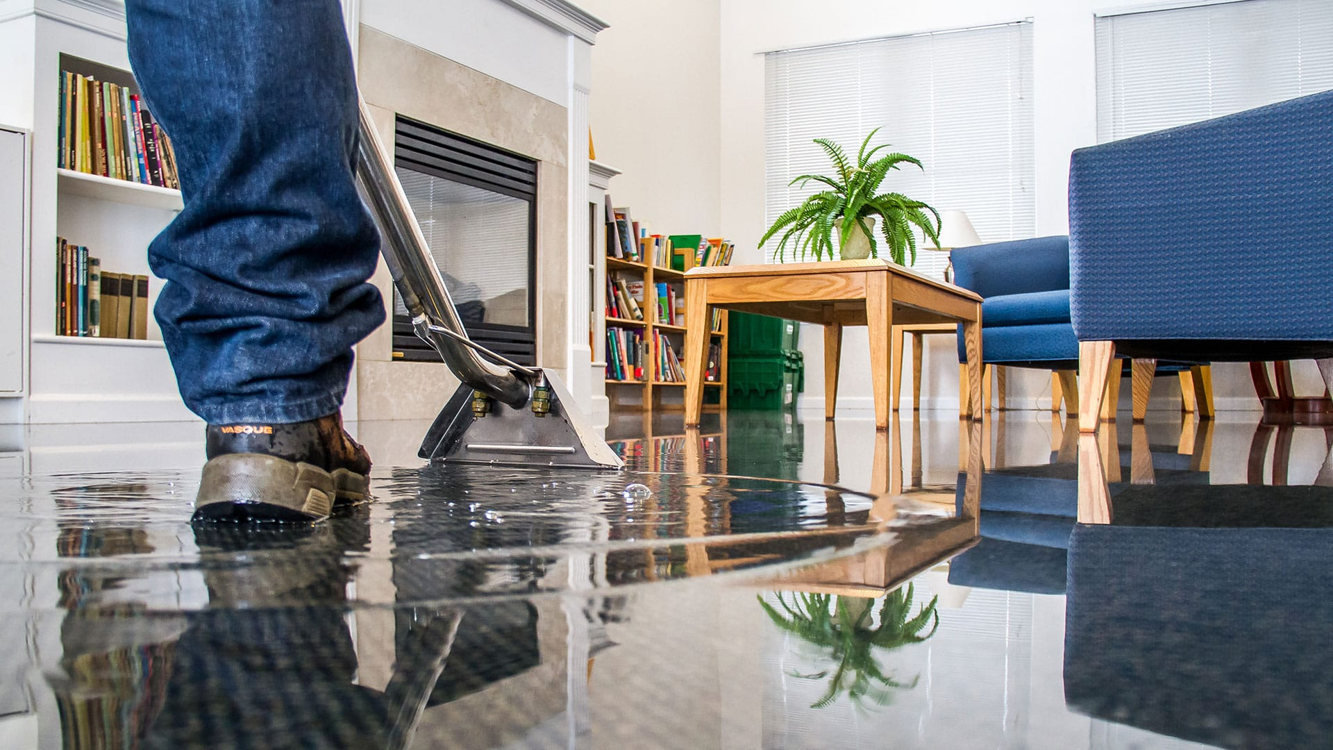Water Damage: Understanding The Restoration Process - Mammoth ...